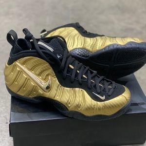 Nike air foamposite gold metallic